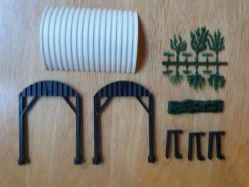 GREEN BUSH AND BASE BRITAIN/'S VINTAGE FARM YARD SHELTER GATE SUPPORT X 3