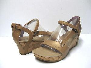 e42dddde5c73 Teva Capri Wedge Pearlized Tan Sandals Women US 8  UK 6  EU 39  JP ...