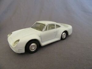657F-Deles-Made-in-Chine-1991-Porsche-959-Blanc-1-43