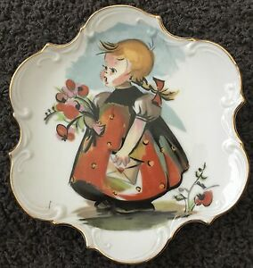 Vintage-Norcrest-Fine-China-Hand-Painted-Decorative-Plate-Girl-w-Flowers-Wall
