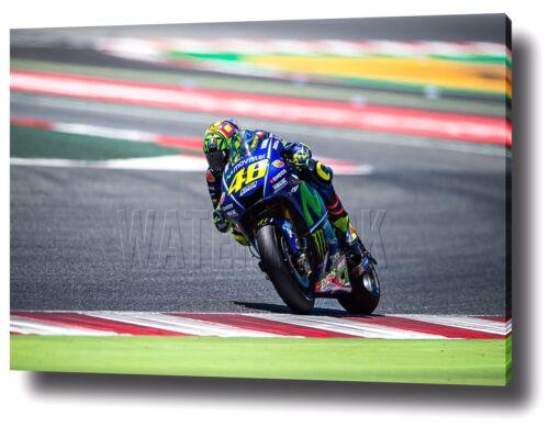 Valentino Rossi Toile Imprimé Poster Yamaha MotoGP encadrée 2017 Wall Art Decor