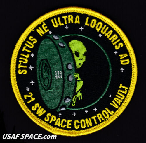 AFB USAF 21st SPACE WING Space Control Vault -Peterson CO ORIGINAL VEL PATCH