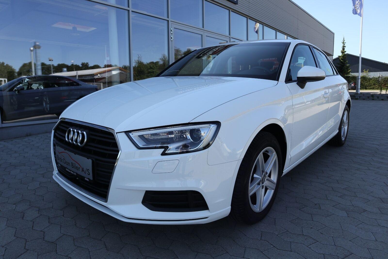 Audi A3 1,0 TFSi 116 4d - 229.800 kr.