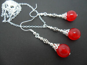 A-RED-JADE-BEAD-NECKLACE-AND-EARRINGS-SET-NEW