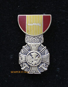 VIETNAM-CROSS-OF-GALLANTRY-MEDAL-HAT-PIN-US-ARMY-NAVY-AIR-FORCE-MARINES-USCG-WAR