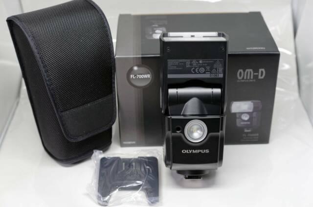 Olympus FL-700WR Flash (Like New)