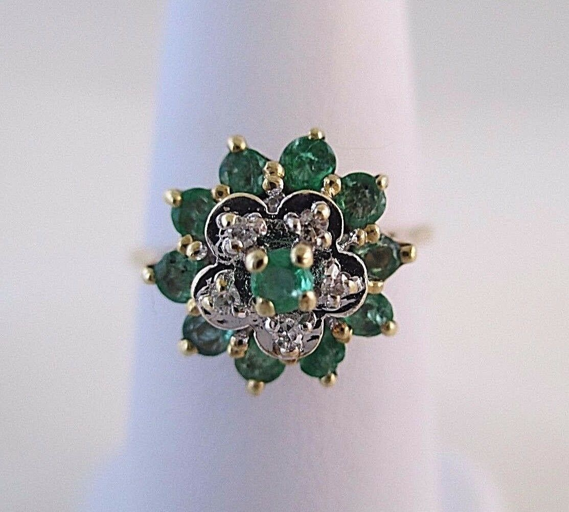 10K Yellow gold Emerald & Diamond Ladies Ring - Size 7.5  Estate Jewelry