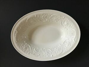 White-Oval-Wedgwood-Etruia-Porcelain-Serving-Bowl-10-5-Inches-Long