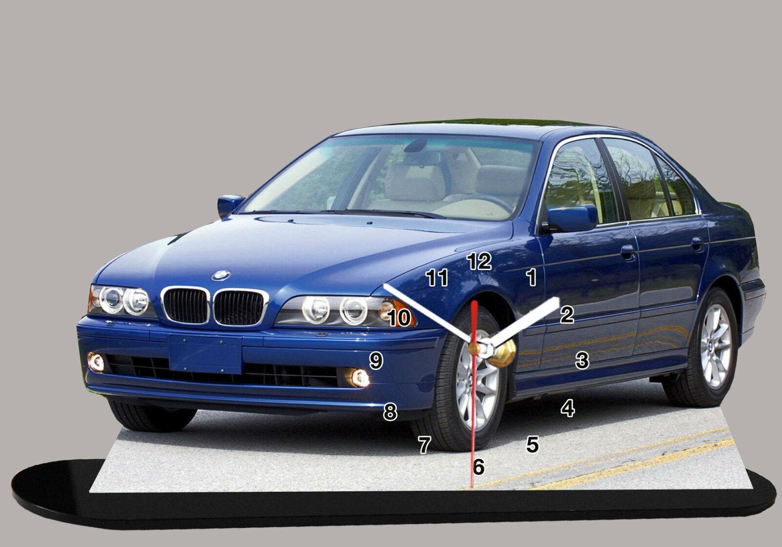 BMW 5 E39 -01, -01, -01, MINIATUR MODELLAUTOS in der Uhr e6957f