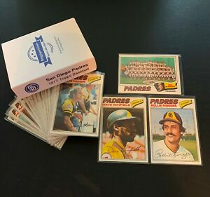 1977-Topps-SAN-DIEGO-PADRES-Team-Set-27-cards-Winfield-Fingers-Storage-Box