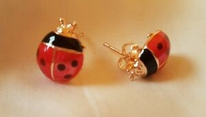 BRAND-NEW-PRETTY-LADYBIRD-LADY-BUG-STUD-EARRINGS-RED-AND-BLACK-ENAMEL-AND-GOLD