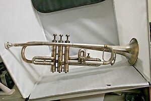 Aimable Rare Vintage Couesnon Hors Concours Made In Paris Trompette Avec étui-afficher Le Titre D'origine