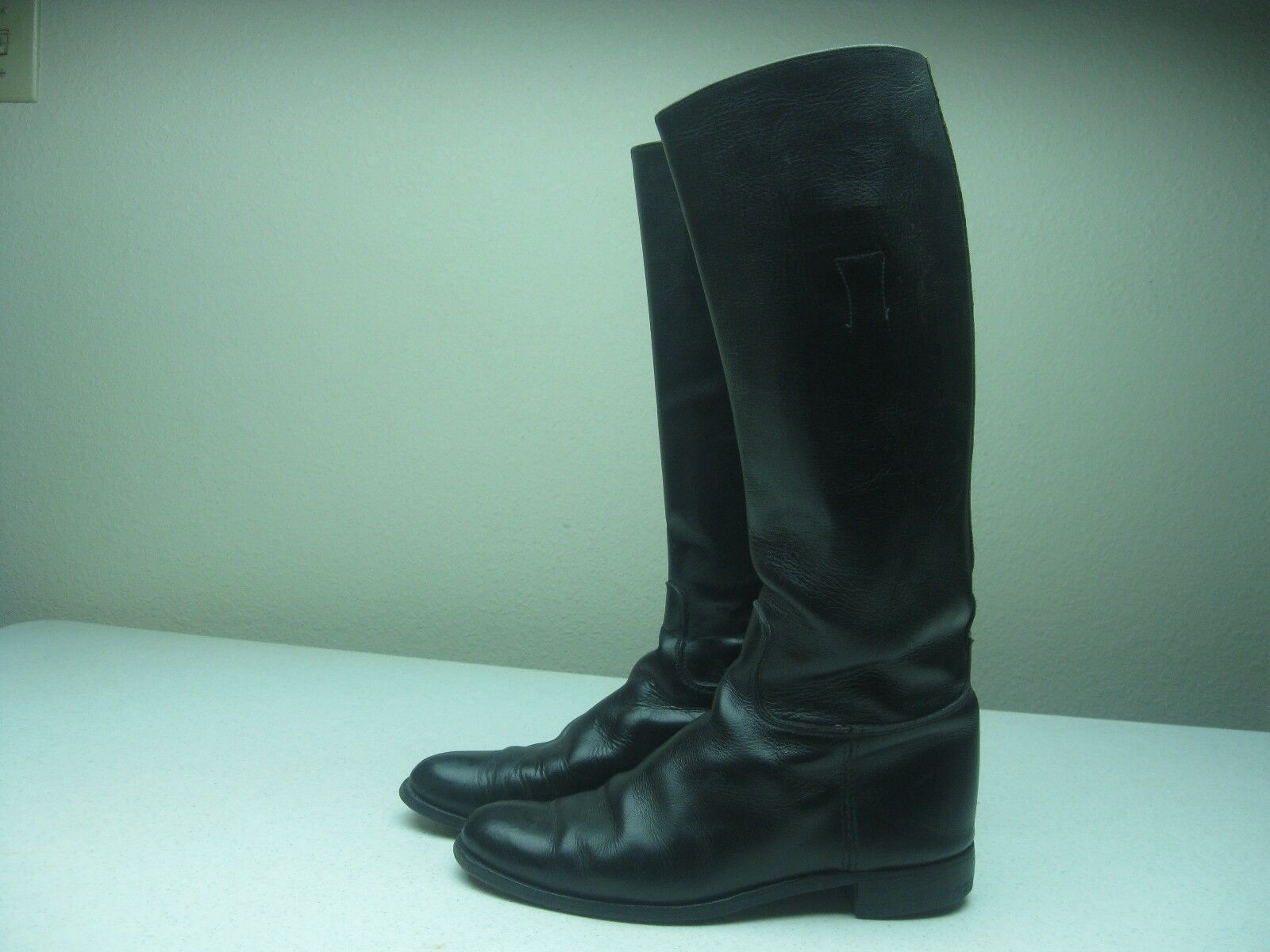 Vintage DISTRESSED BLACK LEATHER EQUESTRIAN RIDING BOOTS SIZE 10D MADE IN USA