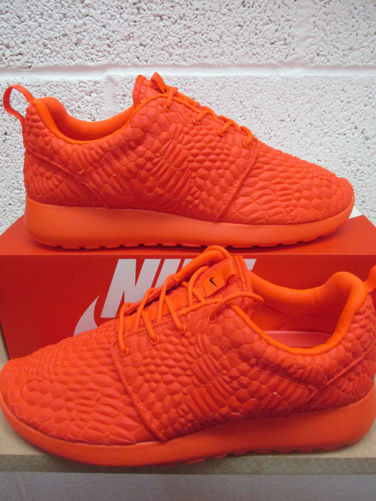 nike womens roshe one DMB running trainers 807460 600 sneakers shoes