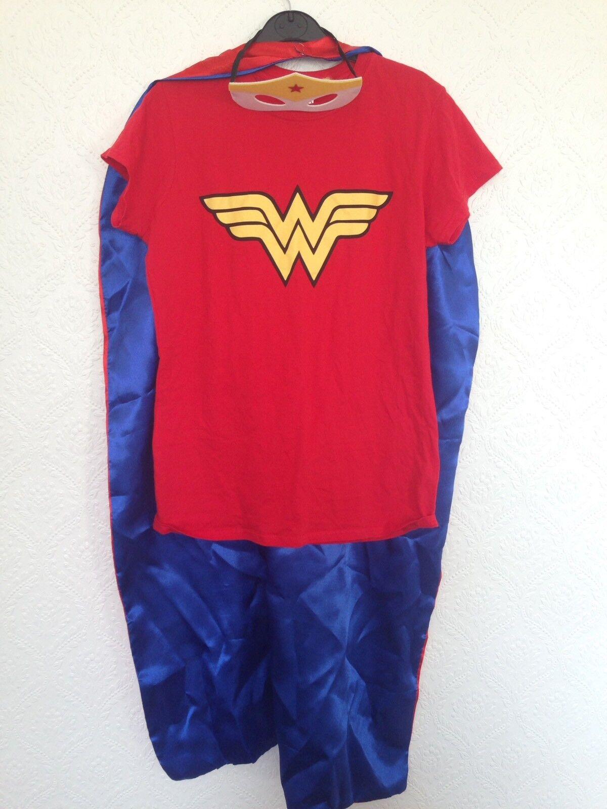Wonder Woman Cape Tshirt & Mask Size M