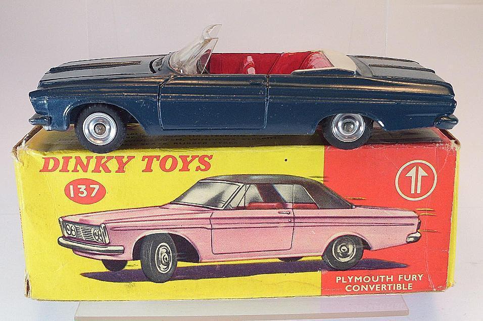 137 plymouth fury dinky spielzeug cabrio gr ü nlich   blau in o-box   5383