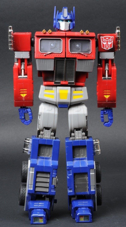 2004 Hasbro Transformers MP-1 Masterpiece Optimus Prime 20th Anniversary Loose