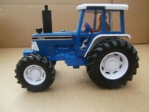Britains-Farm-Toys-Ford-5610-Tractor-MIB-1-32nd-scale
