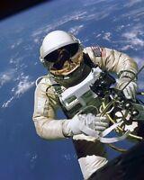 8x10 Nasa Photo: Gemini Astronaut Ed White On 1st American Spacewalk, 1965