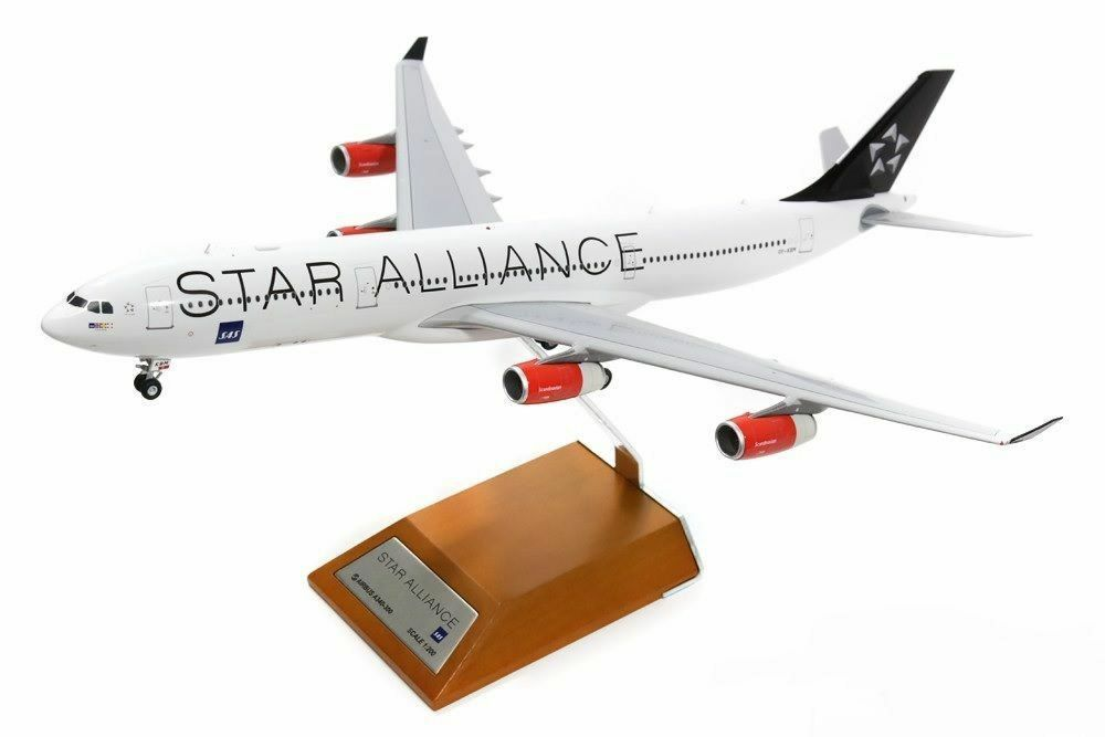 JC WINGS XX2094 1 200 SAS A340-300 OY-KBM STAR ALLIANCE WITH STAND