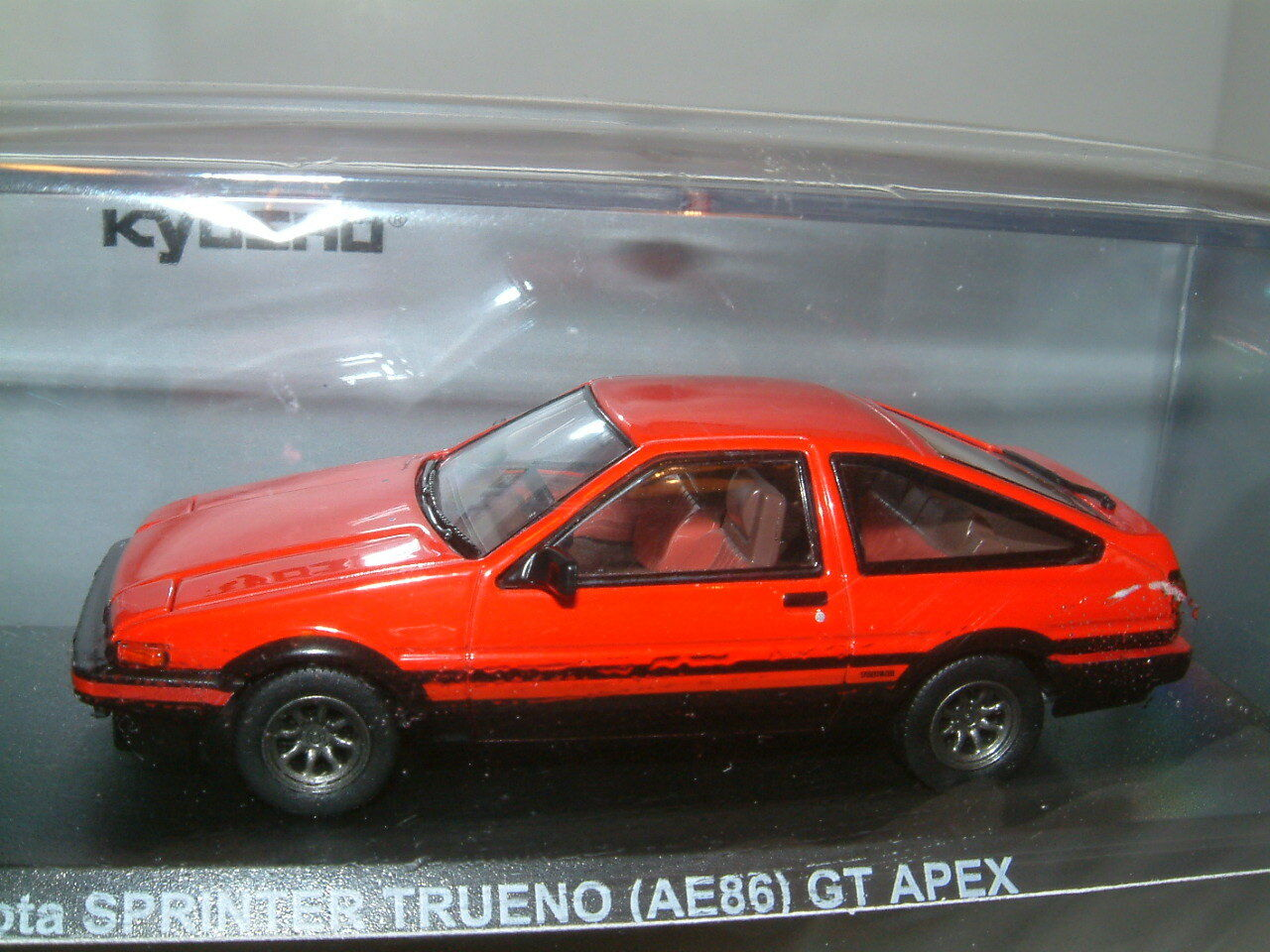 1 43 TOYOTA SPRINTER TRUENO AE86 CgoldLLA GT APEX IN IN IN RED . KYOSHO 8925c6