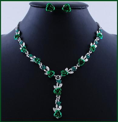 Candid Magnifique Collier Et Boucles D'oreilles Roses De Couleur Esmeralda,tout En Lovely Luster Jewelry & Watches