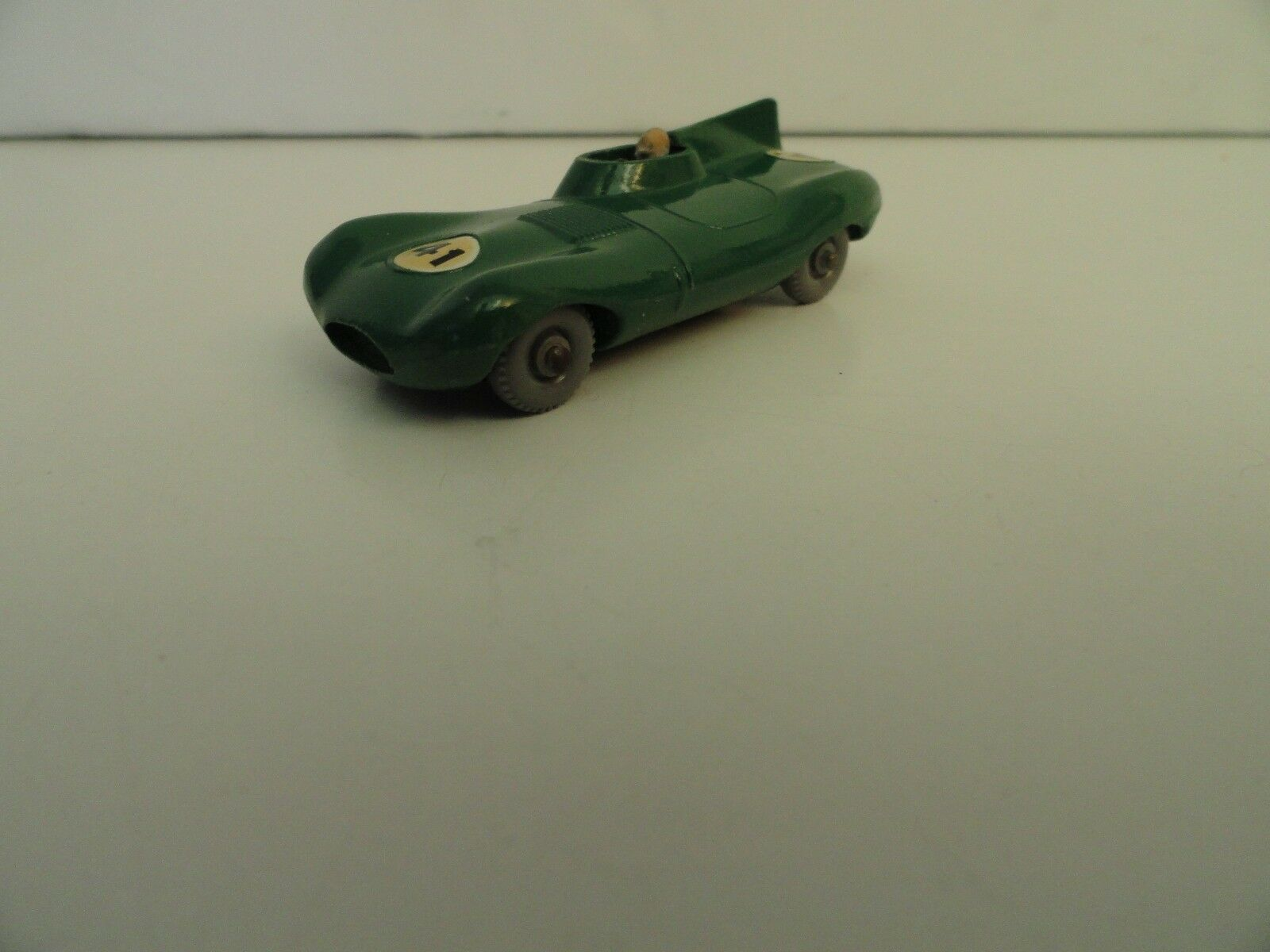 MATCHBOX LESNEY REGULAR WHEELS  41b D-Type Jaguar GPW Comme neuf