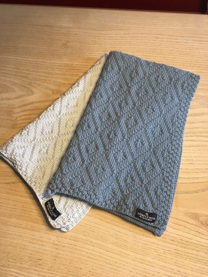 Håndklæde, A Simple Mess