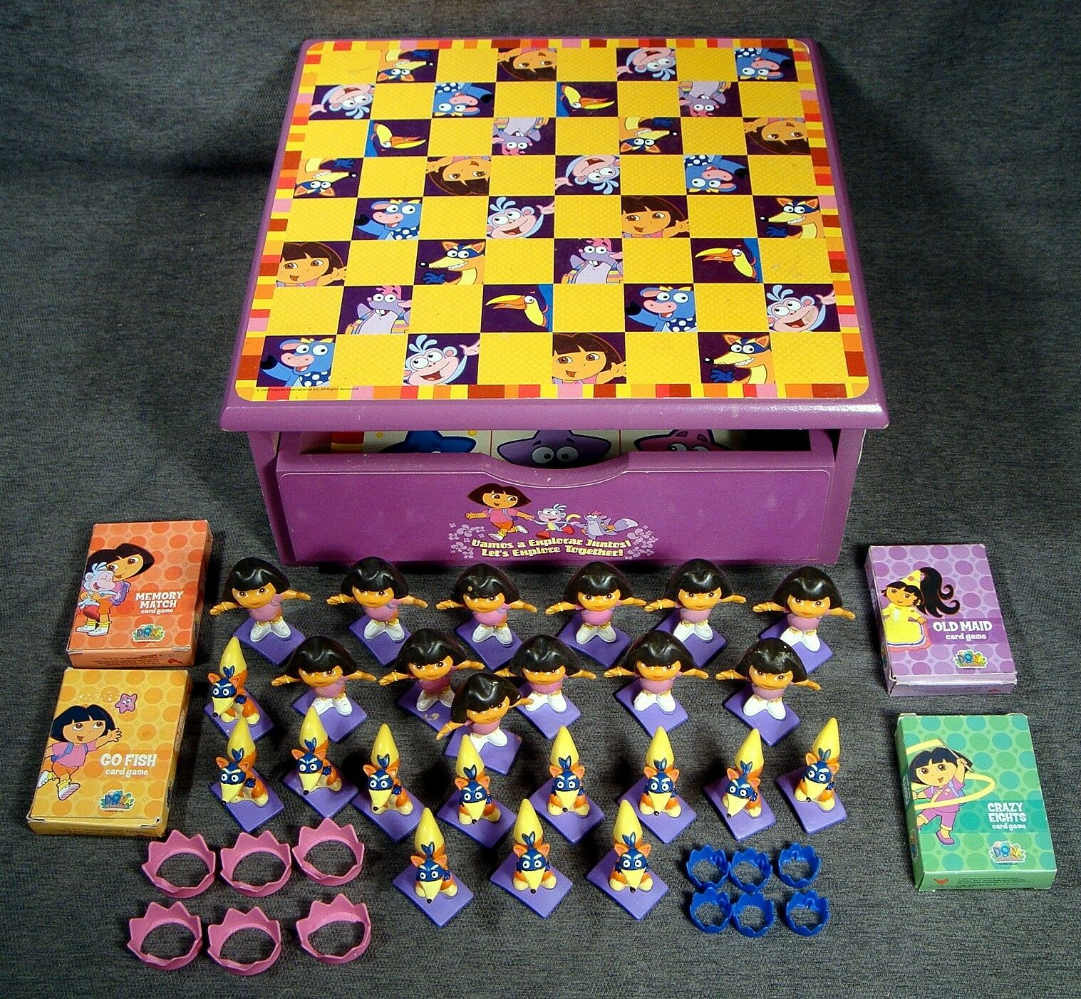 Vintage  Dora The Explorer Wooden Checkers & Game Chest Dora Swiper Figure Pawns