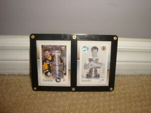 NHL-Autographed-Canada-Post-Stamps-of-Mario-Lemieux-and-Wayne-Gretzky