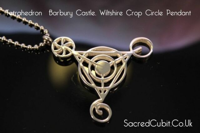 Quarta dimensionale BARBURY CASTLE coltura CERCHIO SACRO simbolo geometrico CIONDOLO