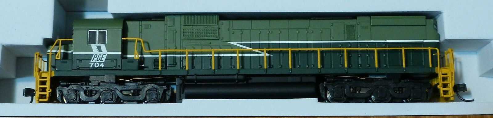 Atlas N   40001983 Pacific Great Eastern (Rd   704) C-630 (Locomotora) Dc