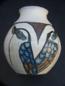 Vintage-Australian-Studio-Pottery-Vase-with-Hand-Painted-Kookaburras-Signed