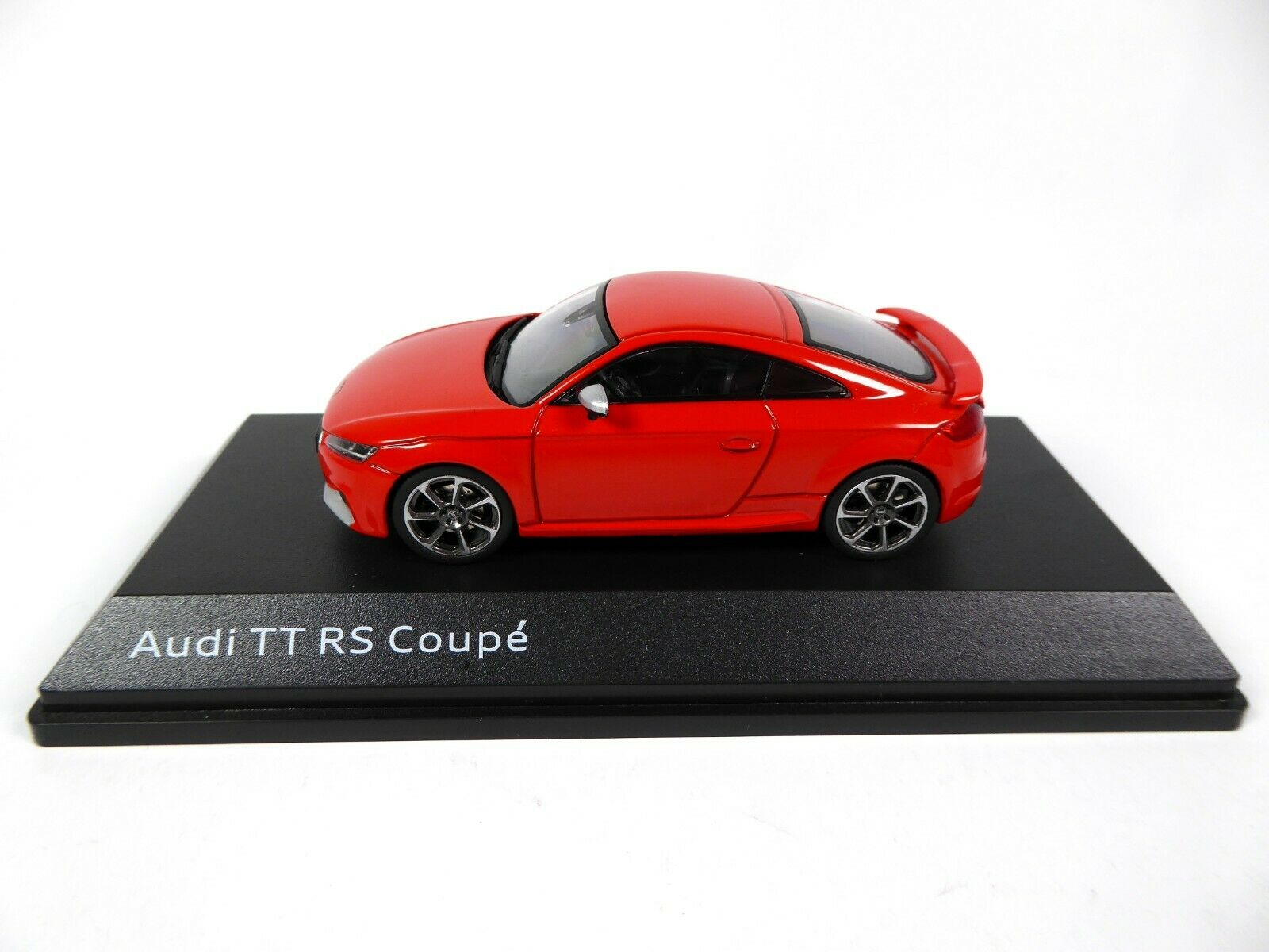 Audi TT RS 8S Coupé 1:43 Catalunyarot 5011610431 Modellauto Rot iScale