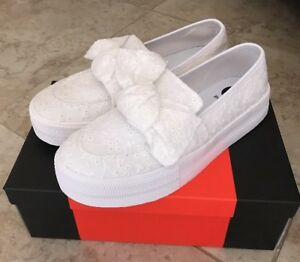 ac4d486af1f35 Details about NIB G by Guess Womens GG Chippy White Fabric Low Top Slip On  Shoe Size10, READ