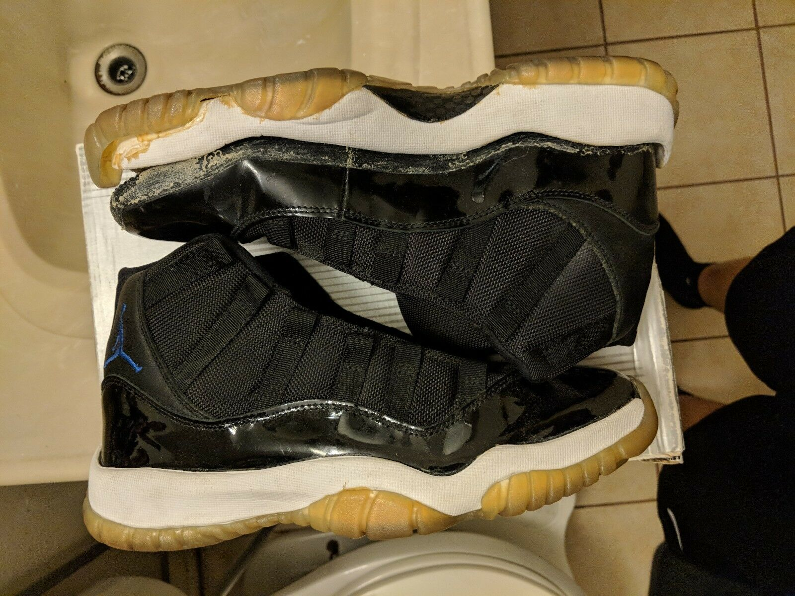 NIKE AIR JORDAN  11 RETRO 2018 OG XI  SPACE JAM SIZE 9 RESTORATION PROJECT