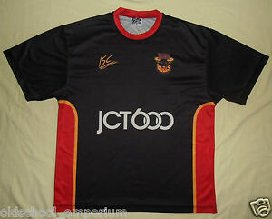 Bradford BULLS / 2004? - ISC - VTG MENS leisure rugby T-Shirt / Jersey. Size: S - Poland, Polska - I can accept returns if the item turns out to be faulty or/and does not match the description. In this case, I will refund the full cost of the item. Moreover, if you simply want to return the item without giving a reason, you will have t - Poland, Polska