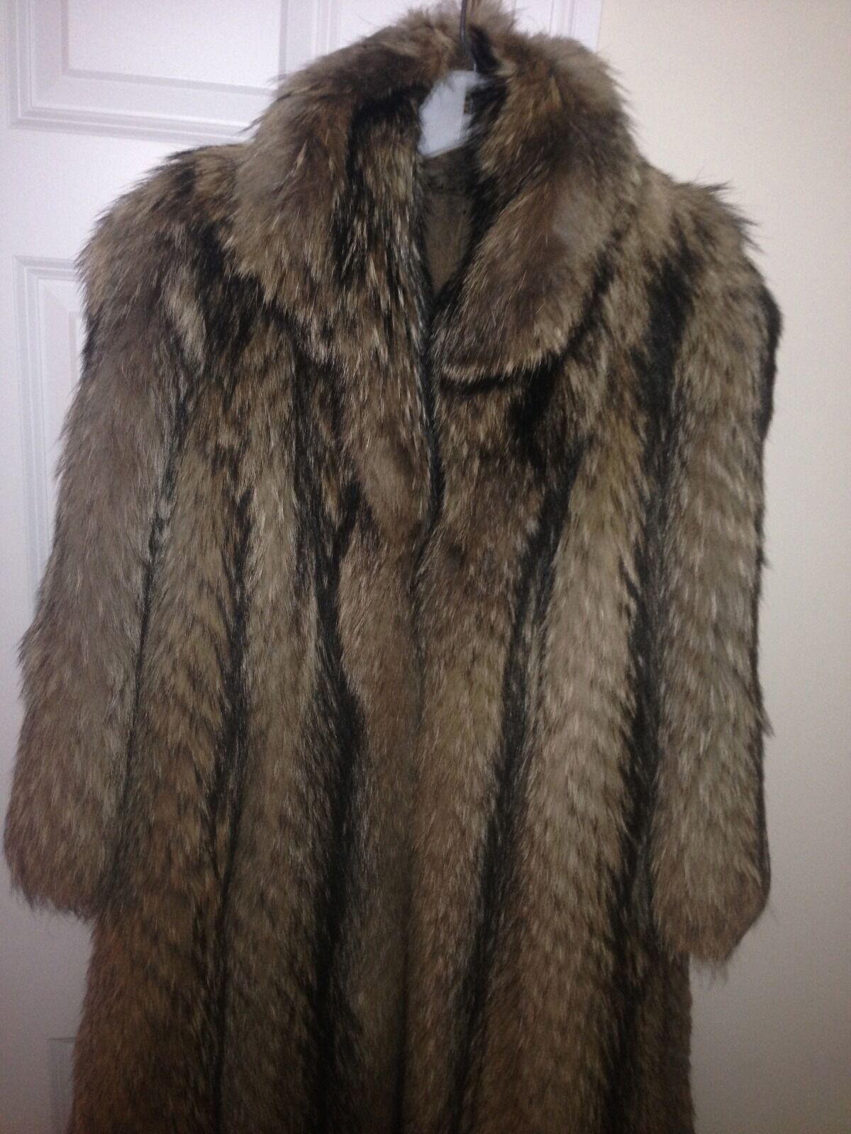 TANUKI TANUKI TANUKI Japanese Vintage Raccoon Fur Full Length Med. Size Genuine Long Hair abab2f