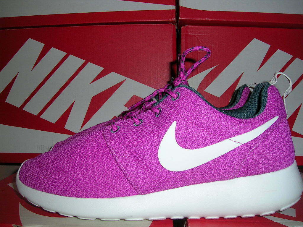 NEW WMNS Club NIKE ROSHERUN ROSHE RUN SZ 8.5 9.5 Club WMNS Pink/Summit White 511882-605 3e3230