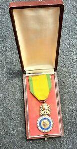 Médaille Militaire 1870 en argent massif dans son écrin d'origine