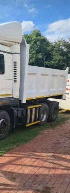 12 cube tipper brand new bin with tank and cylinder for sale R80k negotiable