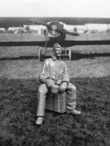 Aviattic Models 1//32 U.S AIR SERVICE WWI MECHANIC Resin Figure