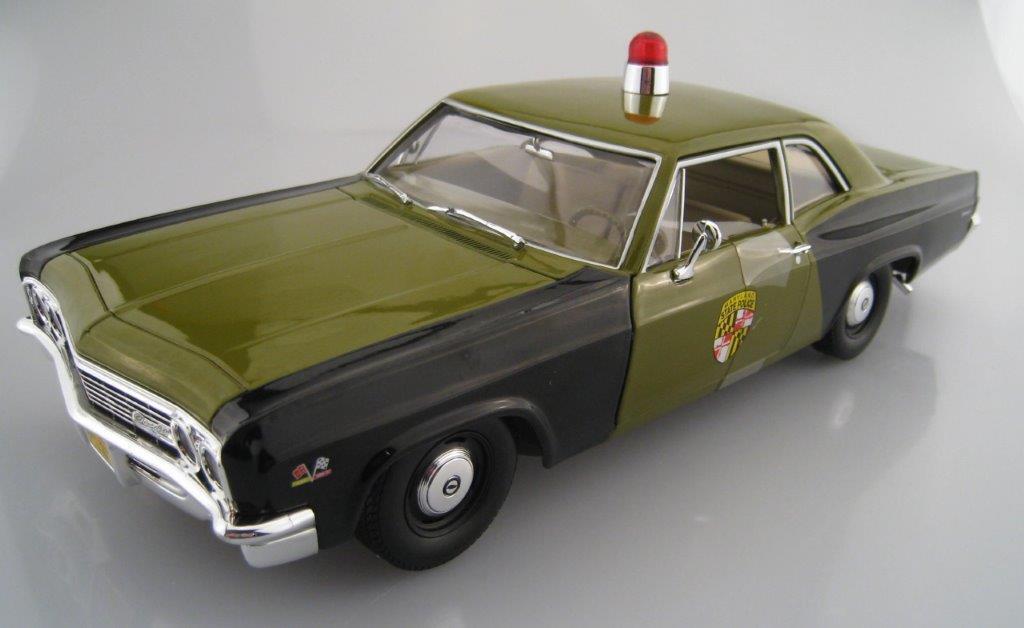 Chevy Biscayne Maryland State Police  Auto World  Maßstab 1 18  OVP  NEU