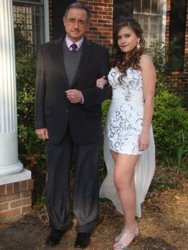 Size 6 Forever Yours White Sequined Short Prom Dre