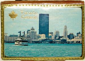 Vintage-1960-039-s-Sewing-Kit-Souvenir-Picture-of-Toronto-Skyline-Canadian-Souvenir