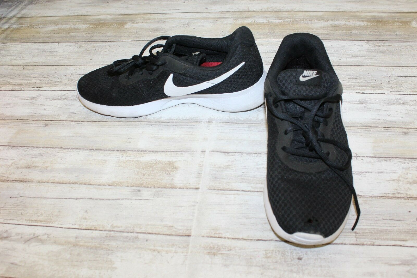 Nike Tanjun Athletic Shoes - - Shoes Men's Size 9.5 - Black 68a22a