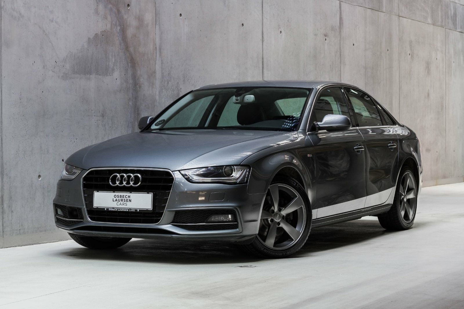 Audi A4 2,0 TDi 190 S-line Multitr. 4d - 269.000 kr.