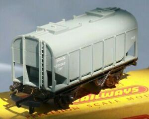 Tri-ang-Railways-T171-TT-Gauge-3mm-Bulk-covered-Grain-wagon
