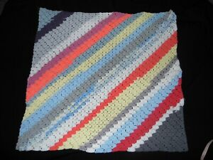 Main-Bonneterie-Colore-Bebe-Couverture-Moise-Panier-Landau-Lit-Genou-70x70cm
