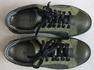 Paire-de-chaussures-HE-Spring-pointure-36